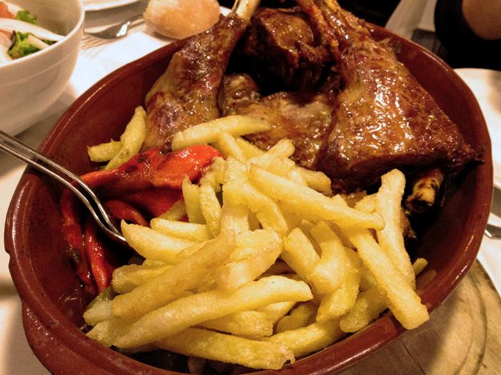 paletilla-de-lechazo-asado-restaurante-león-nuevo-racimo-de-oro