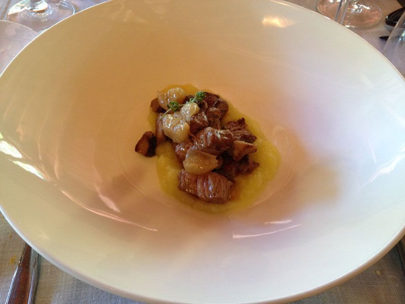ternera-con-patata-restaurante-mediterraneo-la-balsa-barcelona