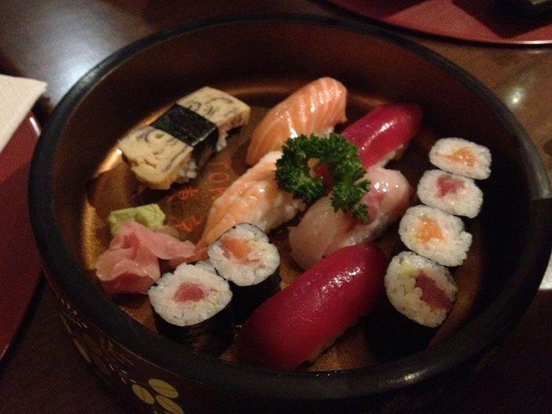 sushi-variado-restaurante-japones-tokyo-sushi-barcelona
