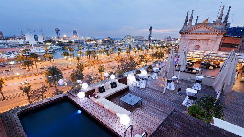 Las mejores terrazas de barcelona para tomar algo en verano for Tomar algo en barcelona noche