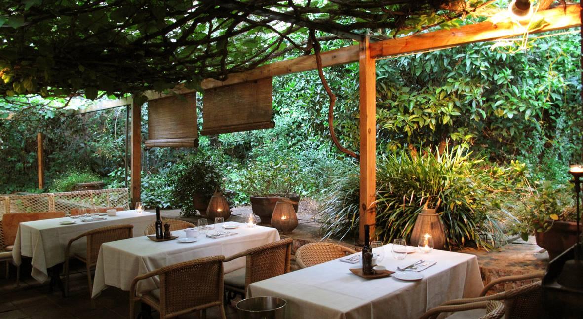 La Balsa Un Restaurante Refugio En Plena Ciudad De Barcelona