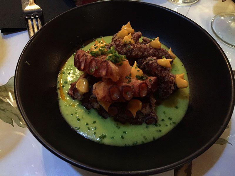 crocante-de-pulpo-restaurante-gallego-arume-barcelona