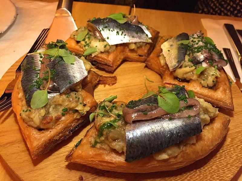 gofre de boquerones restaurante louis 1856 barcelona jordi vila
