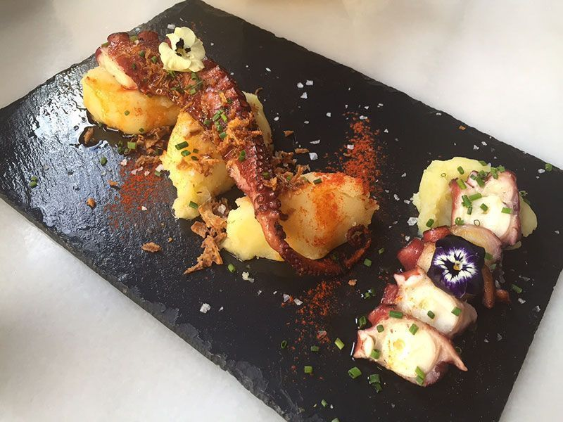 pulpo-braseado-restaurante-carmelitas-barcelona