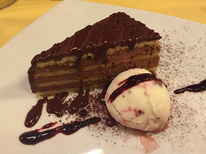 tarta-chocolate-restaurante-roma-italiano-barcelona