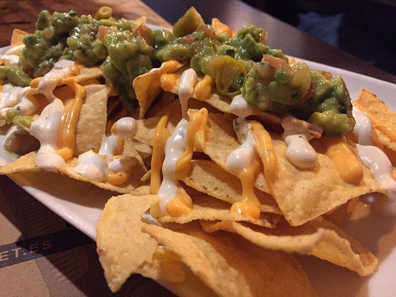 nachos-hamburgeseria-anauco-barcelona