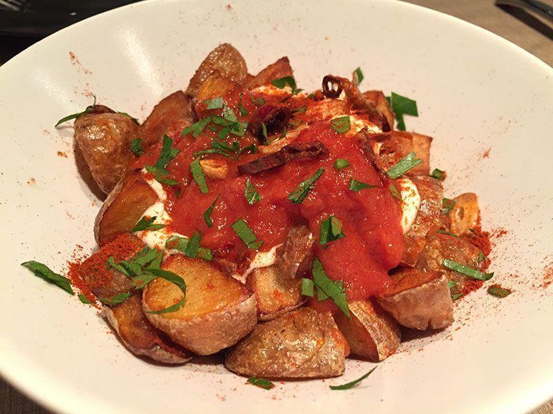 patatas-bravas-restaurante-gola-taperia-barcelona-21-17-36