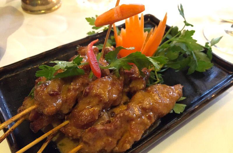 brochetas pollo restaurante tailandes thai barcelona