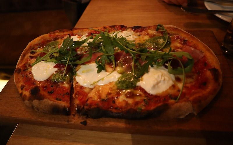 pizza-bronzo-spuntino-bar-restaurante-italiano-barcelona
