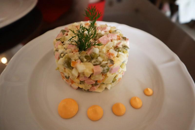 ensaladilla-rusa-ekaterina-restaurante-ruso-barcelona