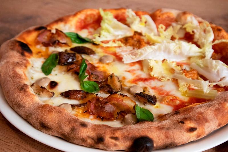 detalle-pizza-mucho-pizzeria-barcelona