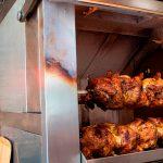 A Pluma, donde el pollo a l'ast ya es un plato gourmet