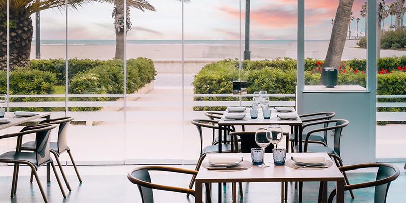 el tridente de neptuno restaurante en la playa de valencia